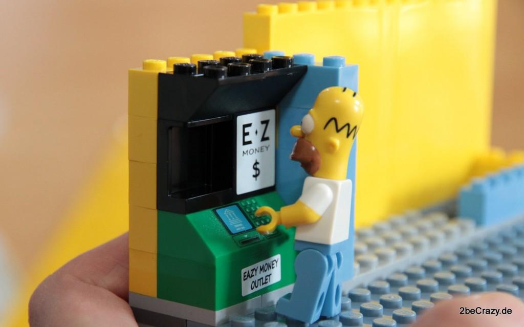 Homer will Geld abheben, ob sein Konto gedeckt ist?