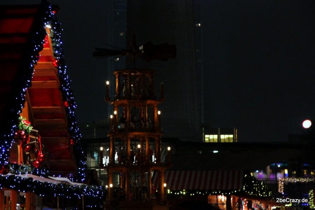 Die Pyramide auf dem Weihnachtsmarkt