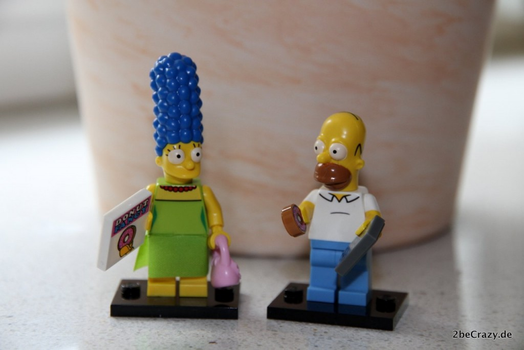 homer-marge-simpson-lego-family