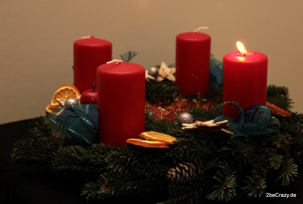 schonen-ersten-advent-kranz-kerze